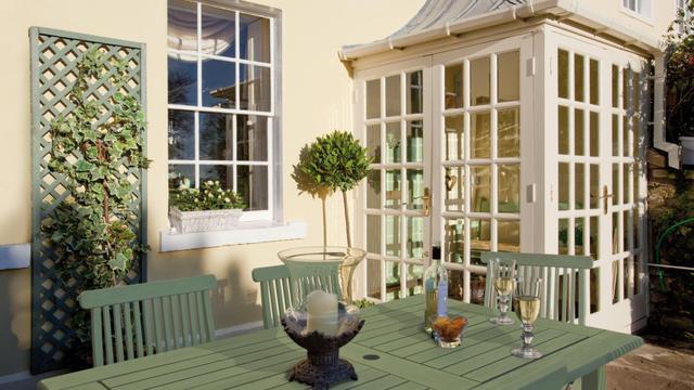 Kleuren voor de buitenkant van uw huis painttrade - Decoratie gevelhuis buitenkant ...