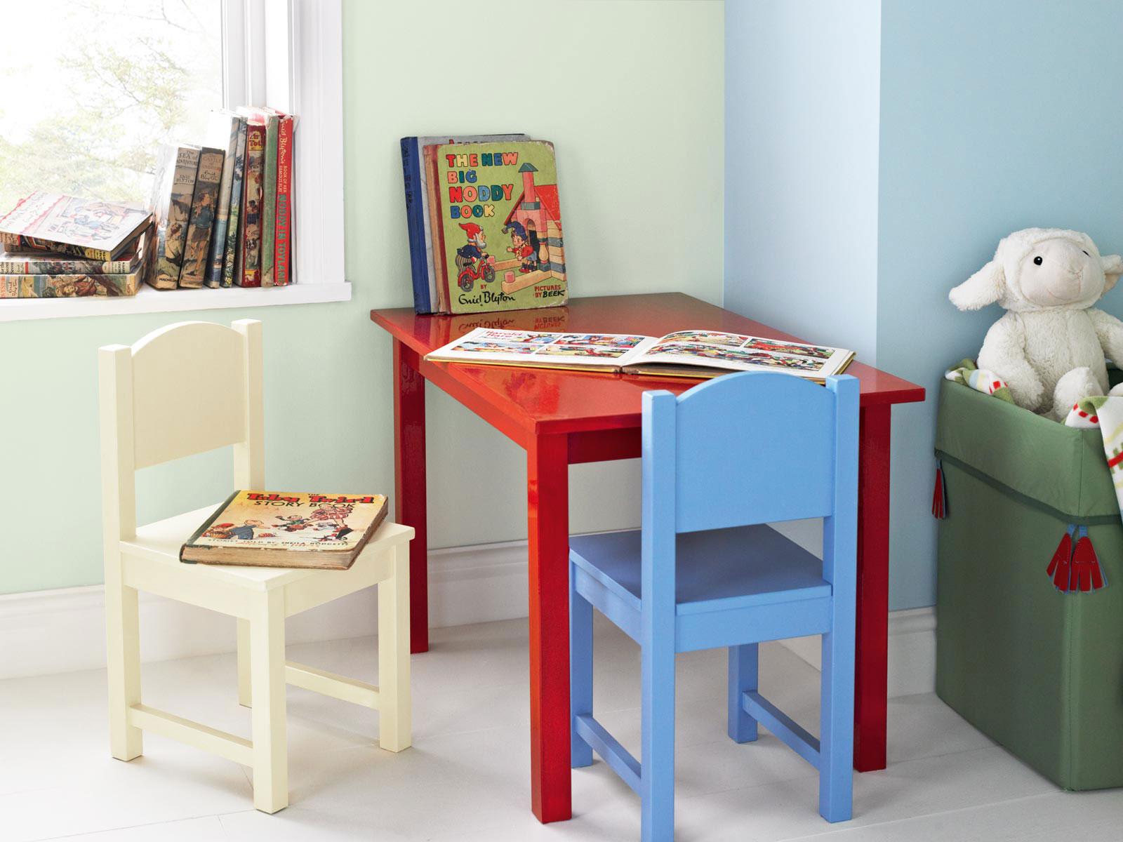 Speel met kleur in de babykamer painttrade - Volwassen kamer schilderij idee ...