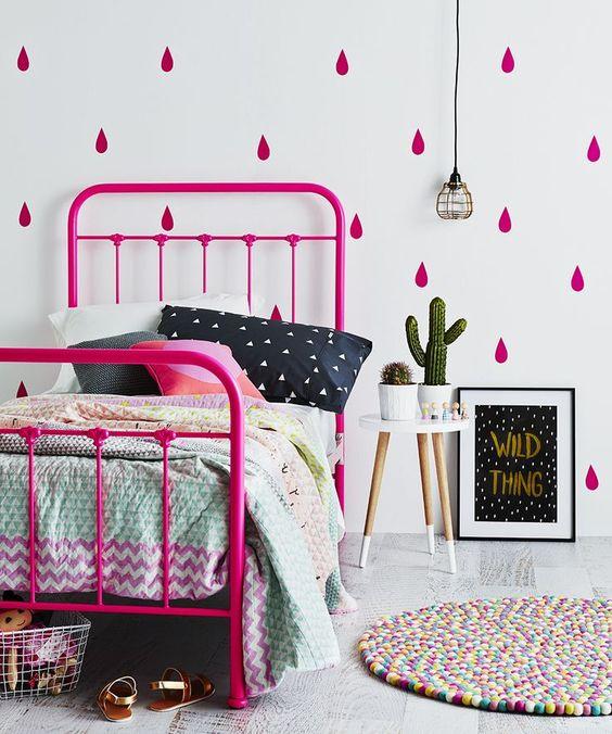 fluo-roze-kinderkamer